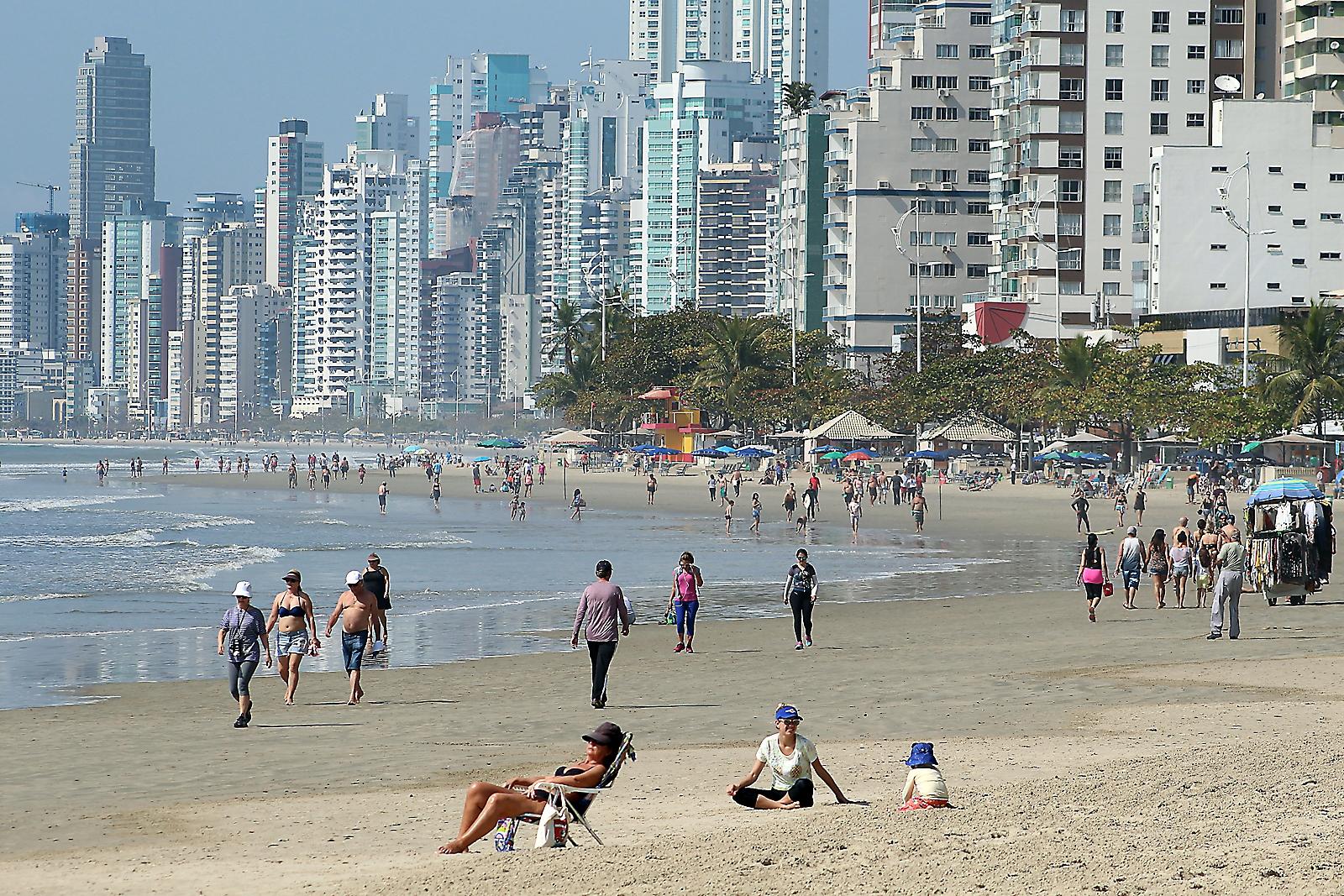 Chuveiros da Praia Central serão religados